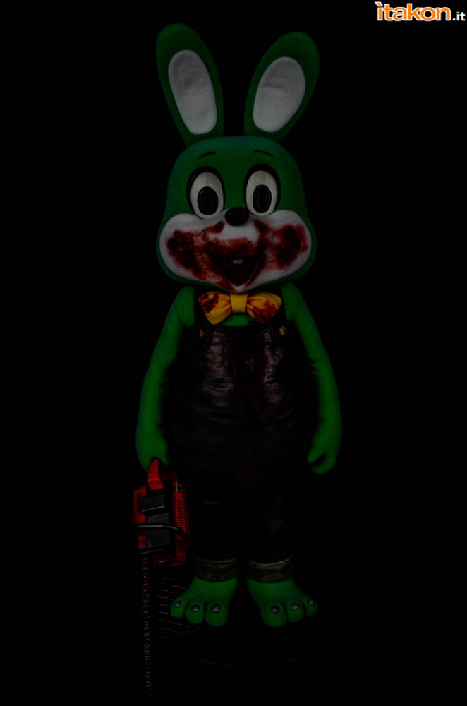 Gecco_Robbie_The_Rabbit_Dark (4)
