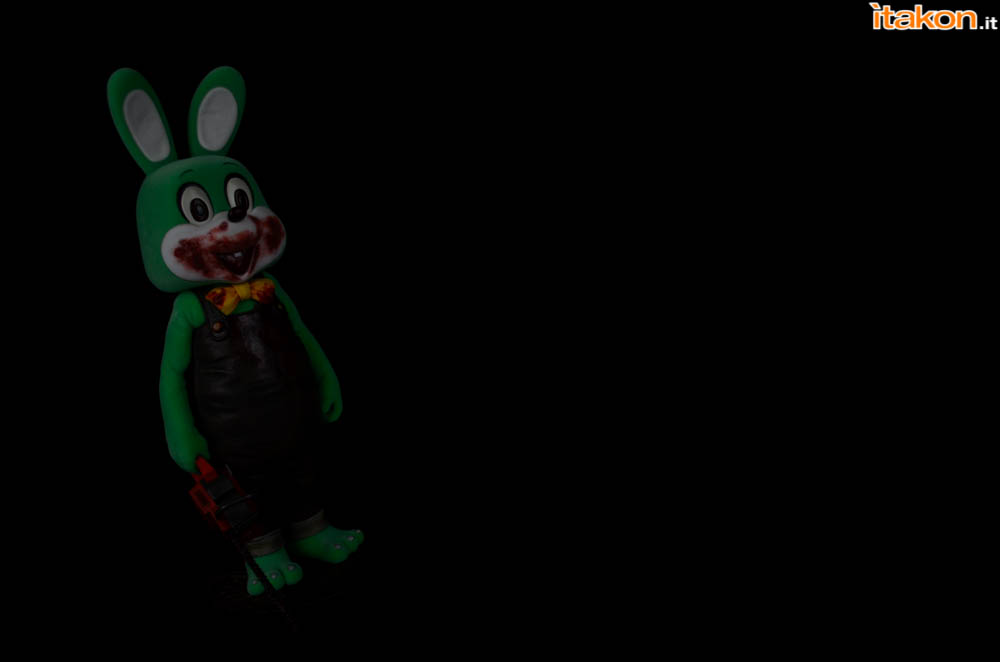 Gecco_Robbie_The_Rabbit_Dark (5)