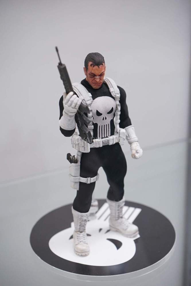 SDCC-2016-Mezco-One12-Marvel-028