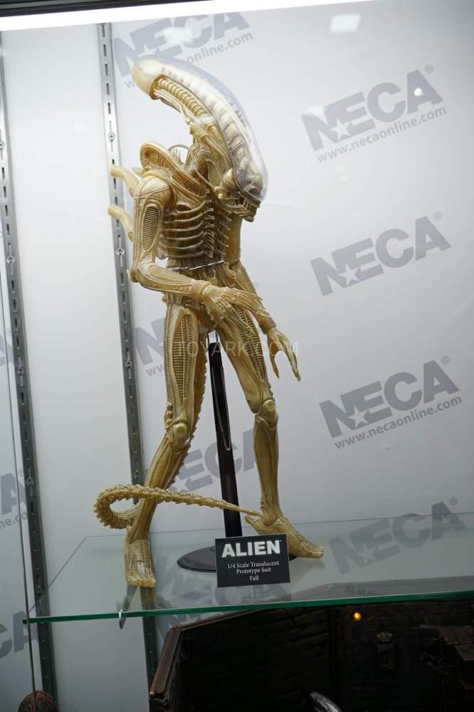 SDCC-2016-NECA-Aliens-006