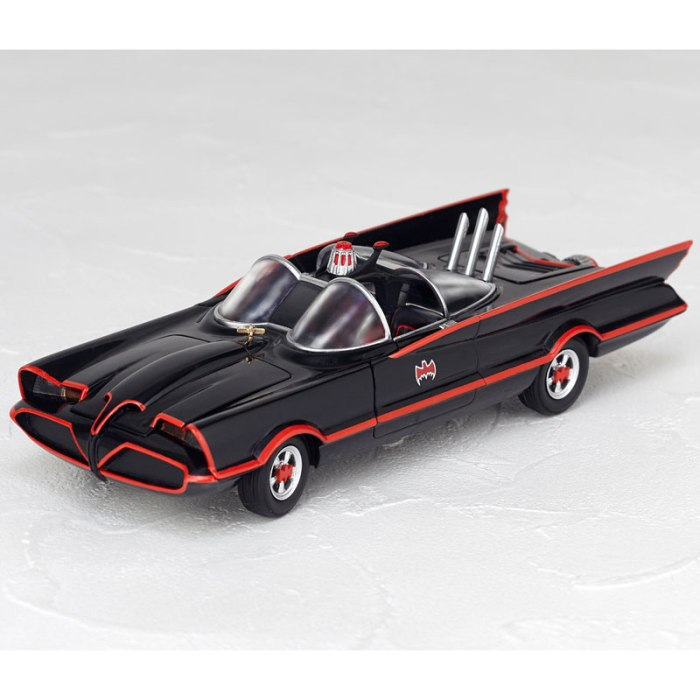 Batmobile 1966 MOVIE REVO preorder 01