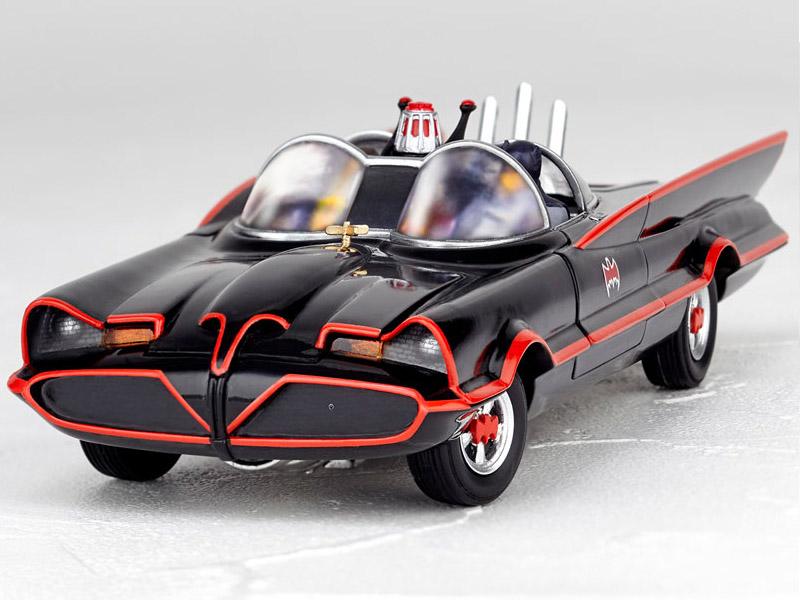 Batmobile 1966 MOVIE REVO preorder 20