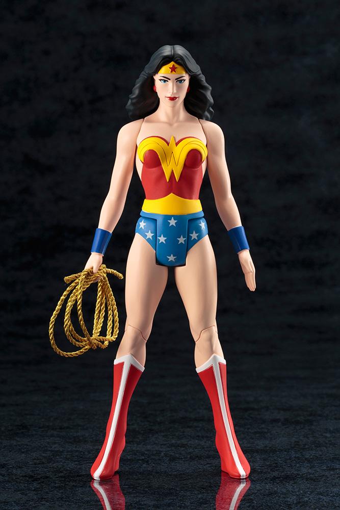 DC Universe - Wonder Woman - ARTFX - Super Powers Classics - Kotobukiya - Foto 09