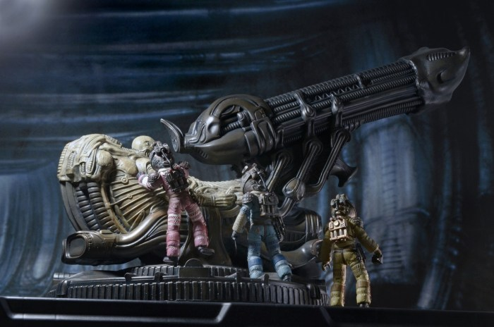 NECA-Alien-Foam-Space-Jockey-010