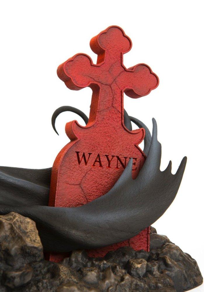 mondo-batman-red-rain-statue-006