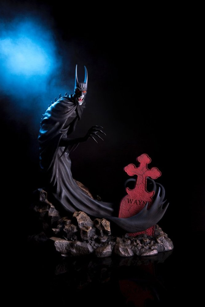 mondo-batman-red-rain-statue-011