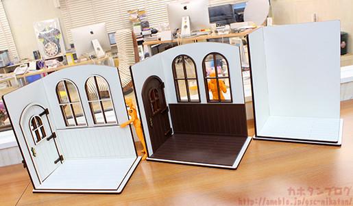 1/10 Scale Doll House (white & brown): 6480 Yen