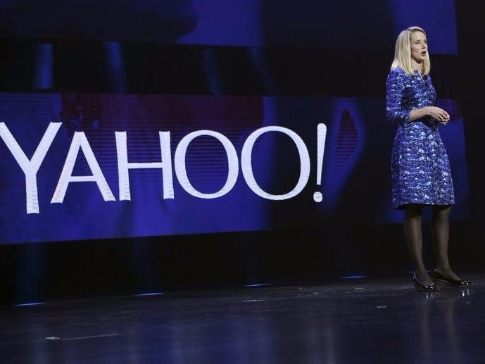 yahoo-quarterly-revenue-falls-15-percent