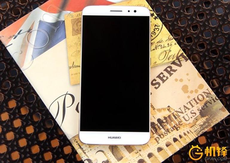 Компания Huawei анонсировала выпуск телефона для женщин NOVA
