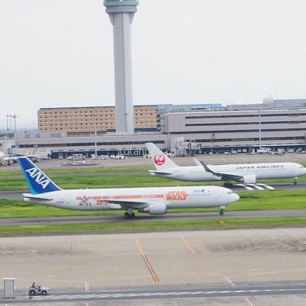 この #ANA の #スターウォーズ の #飛行機 は見たことがなかった!今日は #政府専用機 も見られたよー。#羽田空港  #starwars #全日空