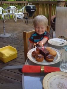 E's second birthday cupcakes