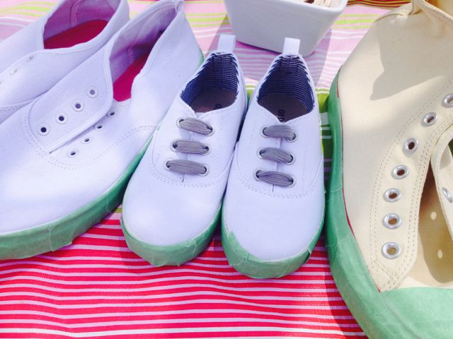 dye your own canvas shoes