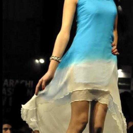 Karachi-Fashion-2013 Week Model and dress photo