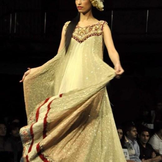 Karachi-Fasion-week-2013-Dress-Pictures