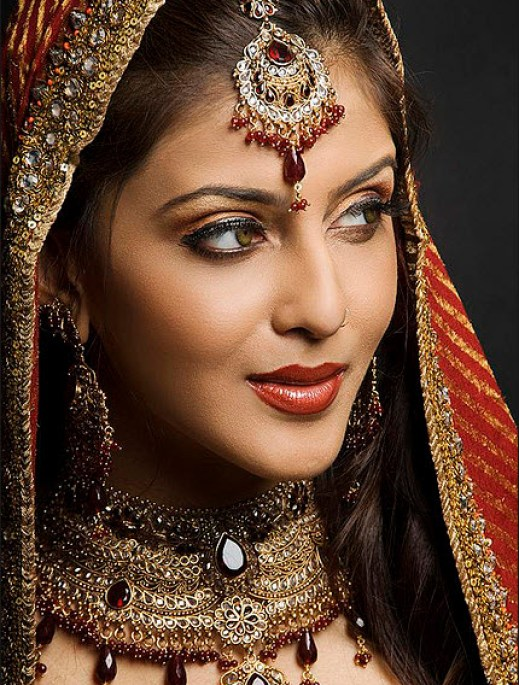 Full Bridal Makeup : Most Beautiful Indian and Pakistani Bridal Pictures ...