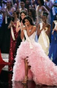 Miss_ world 2011_Miss Venezuela Ivian_Sarcos_sexy_photo