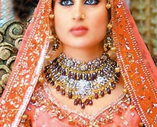 latest_kareena_kapoor_wedding-lehenga-picture-2012