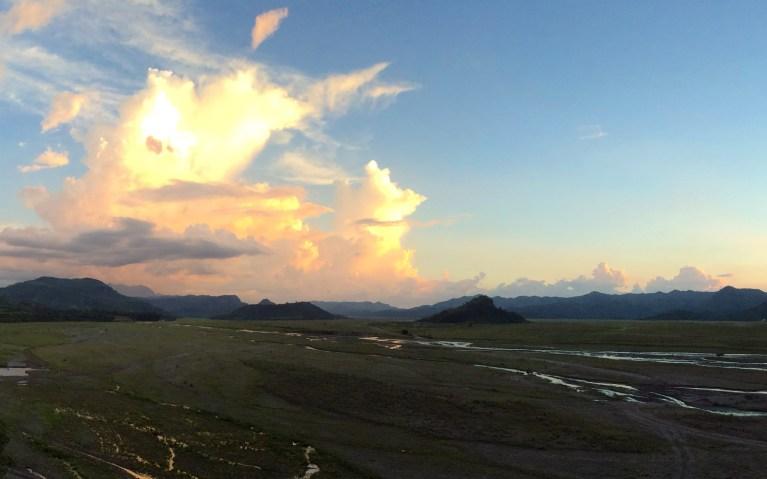 Sunset over the Barren Lands - Mt Pinatubo Tour :: I've Been Bit! A Travel Blog