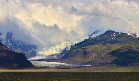 It's amazing to see the beautiful glaciers in August!