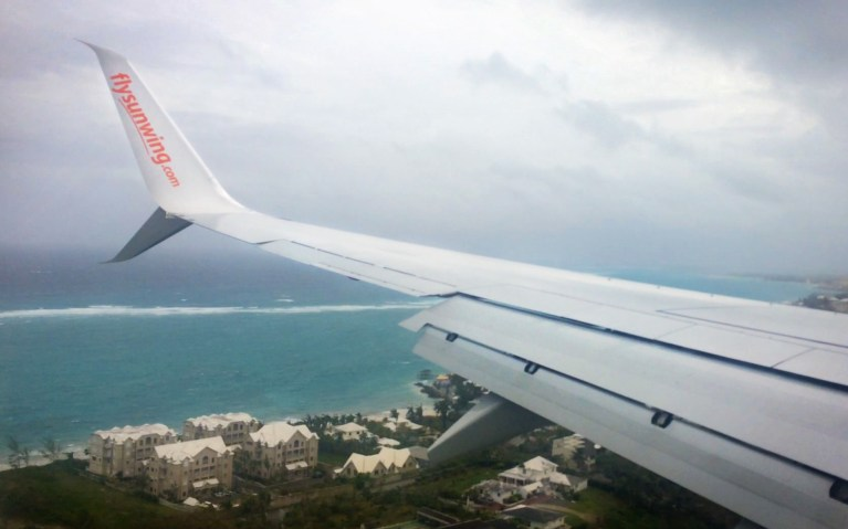 Bahamas Flight Landing