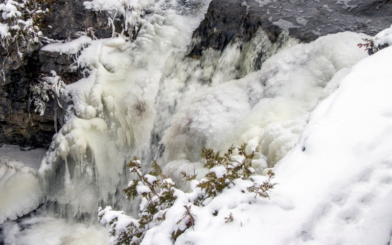 Close Up of Rockwood Falls in Rockwood Conservation Area :: I've Been Bit! A Travel Blog