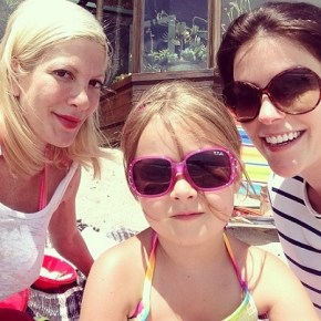 Tori Spelling with her daughter Stella