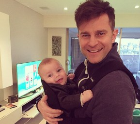 David Campbell posts an adorable photo of his doubly cute twins.