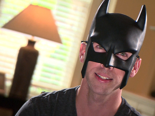 Your daily dose of cute: Batdad strikes again