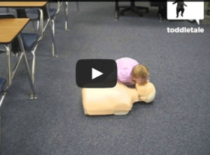 Amazing video: baby performs CPR