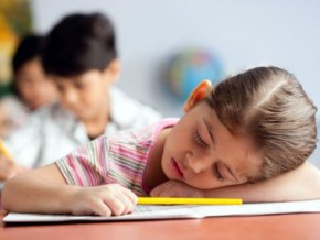 7 tricks to getting kids back on a school-friendly sleep schedule