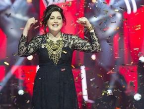 The Voice Australia winner, Karise Eden, gives birth on Christmas Eve.