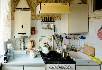 Small kitchen? This genius tip will double your bench space in 5 seconds.