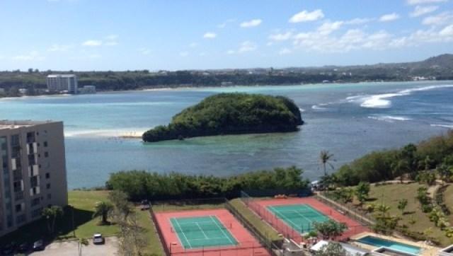 ①グアム島