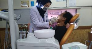 Pelayanan kesehatan untuk membantu korban banjir bandang di Garut melalui Rail Clinic  jabartoday.com/ISTIMEWA