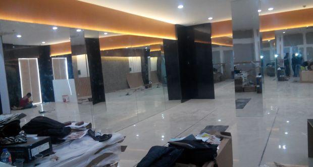 Suasana ruangan penyimpanan alat-alat olahraga di Gedung DPRD Kota Bandung yang dituduh sebagai sport center, Rabu (28/9).