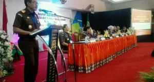 Kepala Kejaksaan Tinggi Jawa Barat Setia Untung Arimuladi memberikan sambutan dalam Rakerda Kejati Jabar 2016, Rabu (7/12). (Penkum Kejati Jabar)