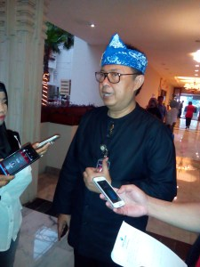 Sekretaris Daerah Kota Bandung Yossi Irianto memberikan keterangan pada awak media, di Hotel Savoy Homann, Rabu (30/11). (jabartoday/eddy koesman)