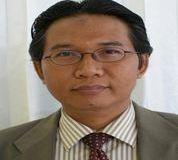 Dr. H. Iskandar, MM. (Rektor Universitas Kuningan)