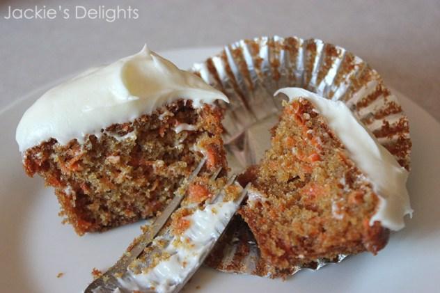 carrot cupcakes.4