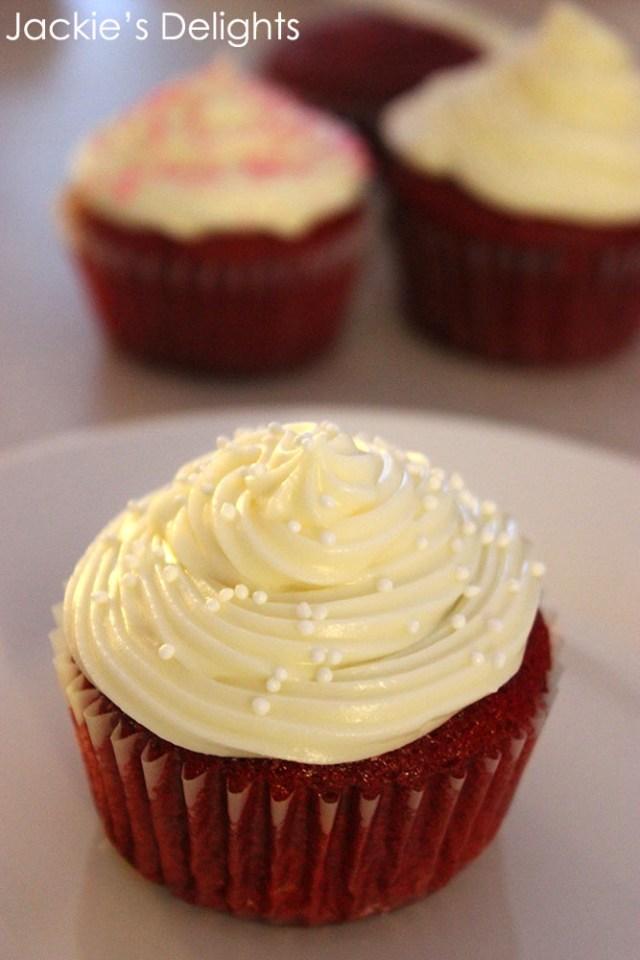 red velvet cupcakes.3