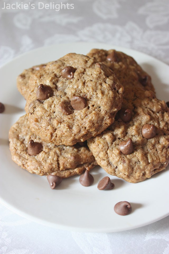 chocolate chip oatmeal cookies.3