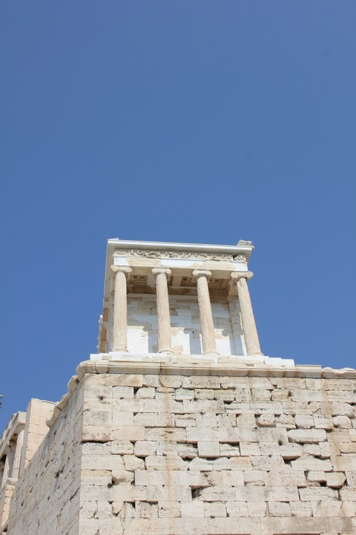 porch_of_the_caryatids_1080