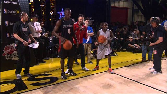 Usain Bolt and Kevin Hart Race at the 2013 All-Star Celebrity Game