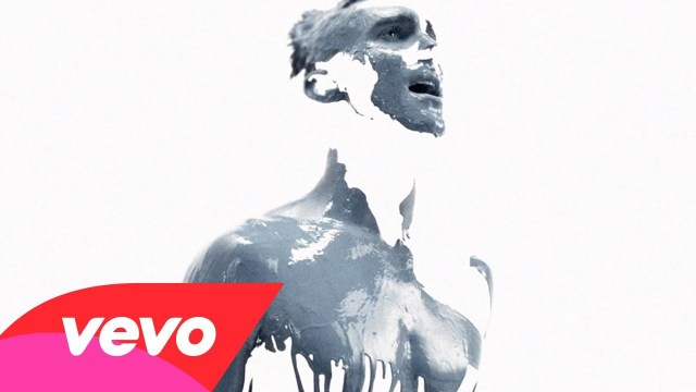 Maroon 5 – Love Somebody (Official Music Video)