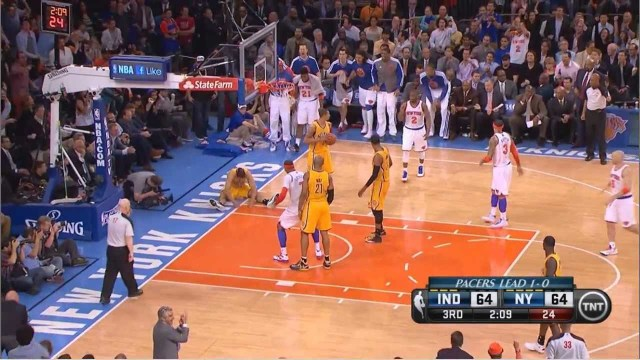 Carmelo Anthony dunks on Jeff Pendergraph Knicks-Pacers Game 2