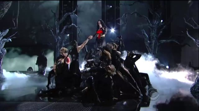 "Katy Perry Performing ""Dark House"" Live @ The 2014 Grammy Awards"