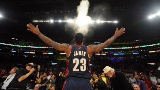 Top 10 LeBron James Plays with the Cleveland Cavaliers