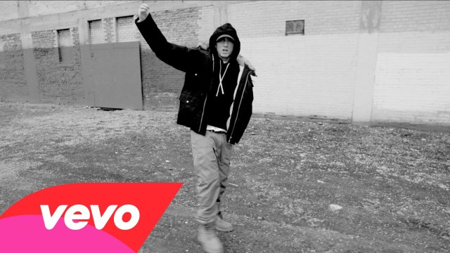 Eminem – Detroit vs. Everybody (feat. Royce Da 5'9″, Big Sean, Danny Brown, Dej Loaf & Trick Trick)