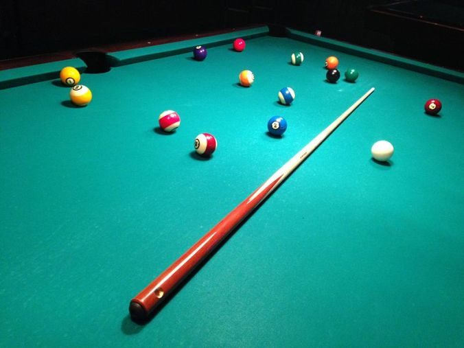 Billiards_table_2