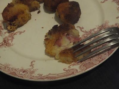Croquettes de pommes de terre à la raclette et au salami, pour finir les restes...